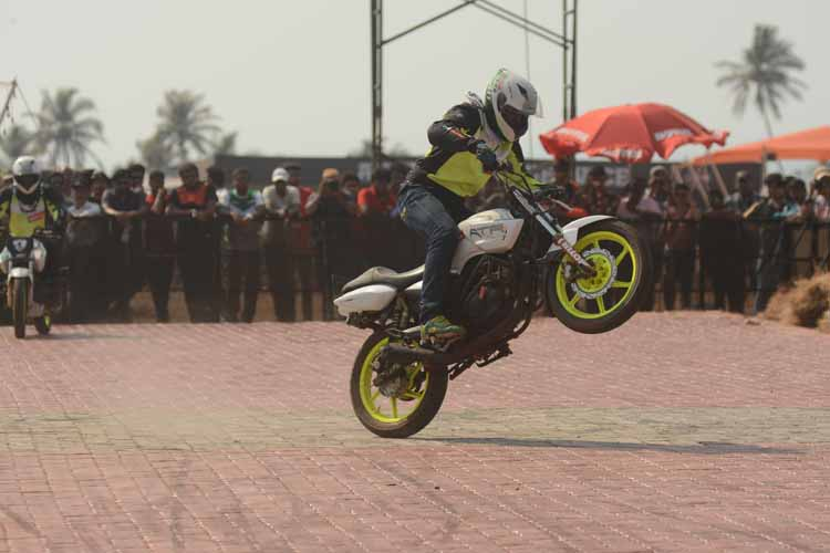 Bikes 2015 India Stunts Bike stunt at India Bike Week
